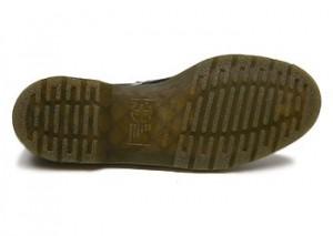 ゴム底の革靴