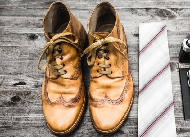 年期のはいった革靴