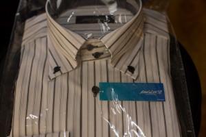袋詰めされたワイシャツ