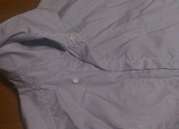 裏返したシャツ