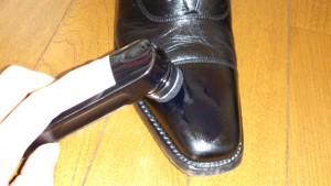 靴クリームの塗る