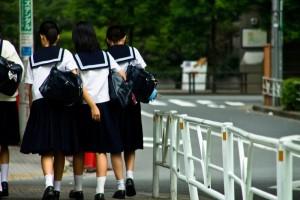 中学生の女の子たち