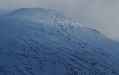 険しい雪山