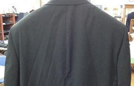 ジャケットの背中の皺