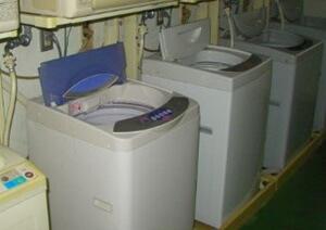 古い縦型洗濯機