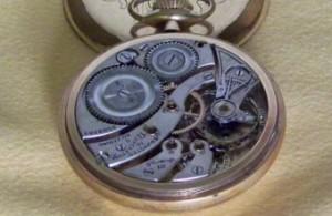 機械式の懐中時計