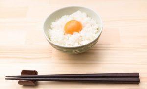 シンプルな卵かけごはん