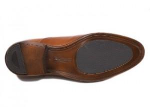 足音のいい革靴