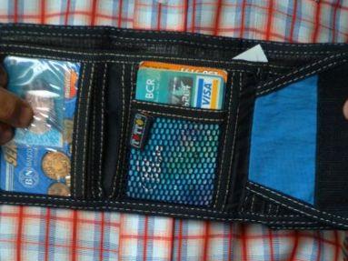 マジックテープの財布