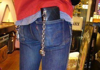 女性に不人気な男性ファッションアイテムを避ける理由