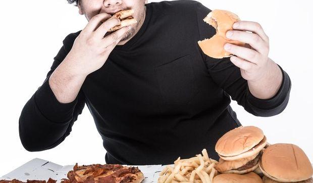 食べ過ぎなデブ
