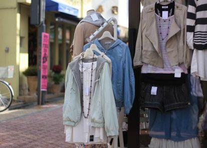 洋服の展示