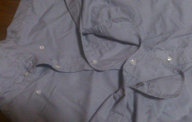 シャツの袖が絡まらない方法