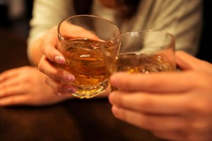飲み屋での乾杯