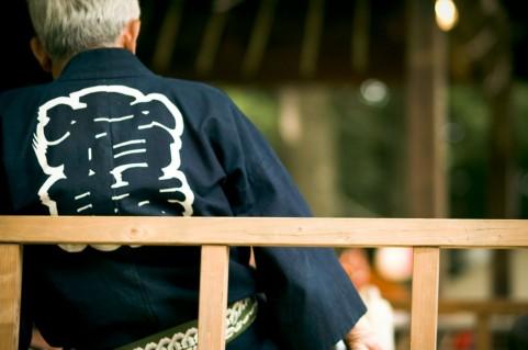 ジャケットのフィット感を見極める方法!動いた後が大切