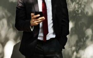 ネクタイの長さが悪い例