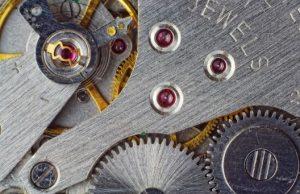 腕時計のムーブメントの歯車