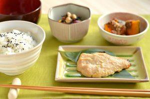 シンプルな焼き魚定食