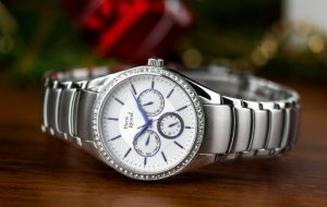 メタルブレスの高級腕時計