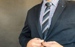 普通のファッションが有利!?特に男性は当てはまります